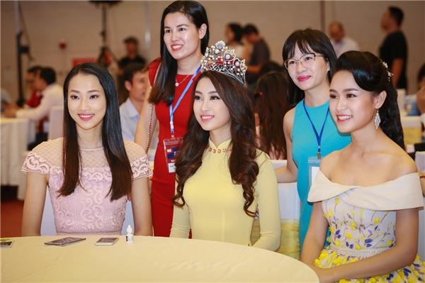 Hiện tại, Mỹ Linh vẫn còn đi học nên ban tổ chức Hoa hậu Việt Nam cũng cố gắng sắp xếp các hoạt động để người đẹp có thể cân bằng mọi thứ. Mỹ Linh cho biết cô vẫn tập trung vào việc học hơn là tham gia vào các sự kiện.