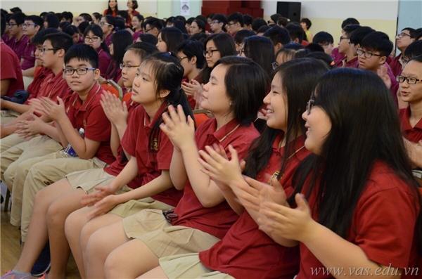 Học sinh VAS được truyền cảm hứng sống cho đam mê và ý thức tự hào dân tộc. (Ảnh: VAS)
