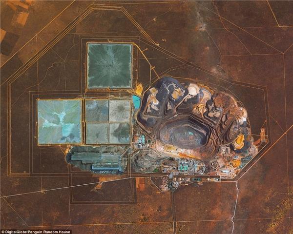 """Mỏ kim cương Jwaneng ở Botswana là mỏ """"dồi dào"""" kim cươngnhấtthế giới với sản lượng hàng năm khoảng15,6 triệu carat (2006)."""