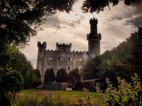 Lâu đài Charlevilleđược xây dựng từ năm 1798. (Ảnh: Internet)