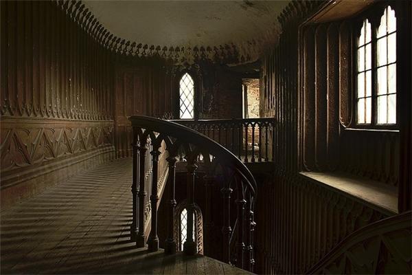 Lạnh sống lưng với điều bí ẩn về những tòa lâu đài ma ám nổi tiếng