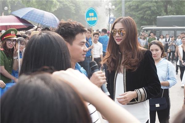 Nam diễn viênXuân Bắc cũng góp mặt tại sự kiện này với vai trò MC - Tin sao Viet - Tin tuc sao Viet - Scandal sao Viet - Tin tuc cua Sao - Tin cua Sao