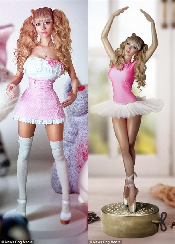 Angelica bên trái giống y hệt hình mẫu búp bê Barbie bên phải.