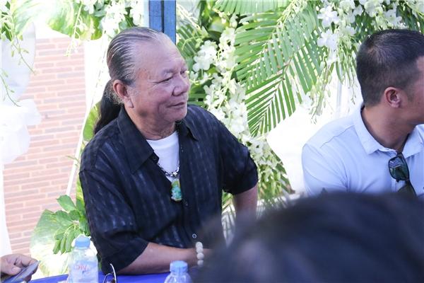 Từ tối 18/9 đến sáng nay, giới nghệ sĩ đã dành thời gian đến chia buồn cùng gia đình Minh Thuận. - Tin sao Viet - Tin tuc sao Viet - Scandal sao Viet - Tin tuc cua Sao - Tin cua Sao