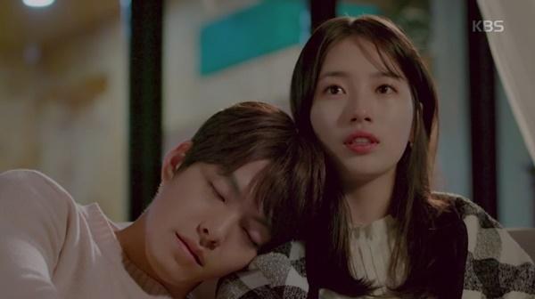 Joon Young trút hơi thở cuối cùngtrên vai No Eul.