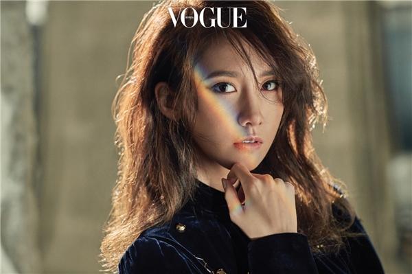 Ji Chang Wook và Yoona tình tứ trên tạp chí trước giờ G