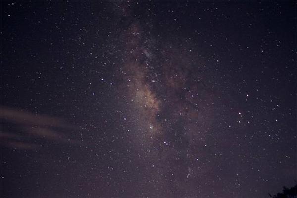 Bãi Ôm cho một tầm nhìn dải ngân hà lí tưởng, biển sao như đang ở sát tầm mắt.