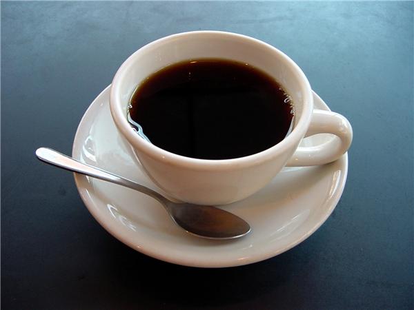 ... lại nằm trong cốc cà phê chúng ta uống mỗi sáng.(Ảnh: Internet)