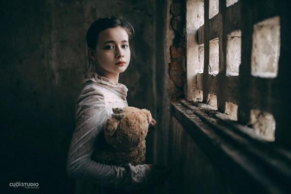 Lai ba dòng máu Đức - Ba Lan - Việt Nam,cô bé Sandra Mariakhuấy đảo cộng đồng mạng Việt Namvới vẻ ngoài đáng yêu khó cưỡng của mình.