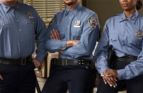 Tên trộm không thể ngờ số mình nhọ đến mức có thể đột nhập nhầm nhà có đầy cảnh sát.