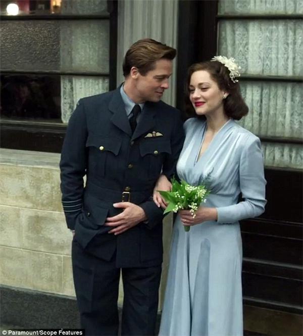 Hình ảnh thân mật của cặp đôi trên phim trường Allied.