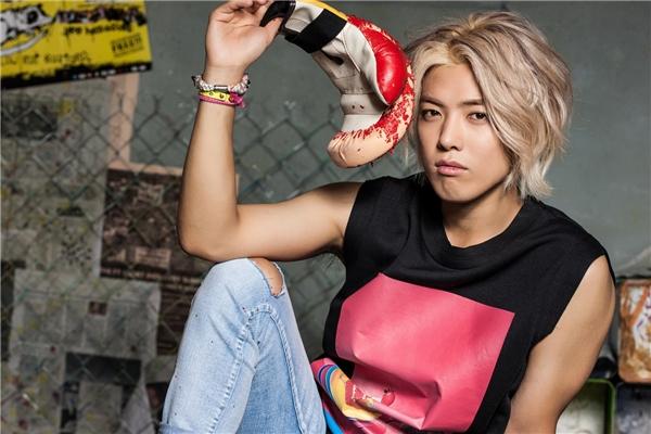 Nhờ mang trong người hai dòng máu Hàn – Nhật, Kangnam (M.I.B) sở hữu gương mặt điển trai, đậm chất lãng tử hệt như chàng hoàng tử bước ra từ truyện tranh. Sự nghiệp ca hát không nổi bật nhưng nam thần tượng lại được yêu mến bởi tính cách đáng yêu mỗi khi xuất hiện trên sóng truyền hình.
