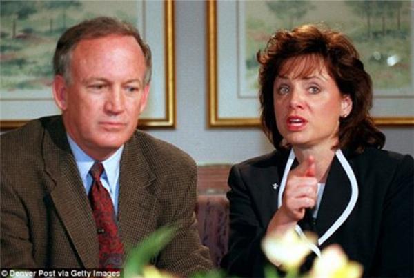Vợ chồng Ramseyđã giấu nhẹm mọi chuyện suốt 20 năm qua. (Ảnh: Internet)