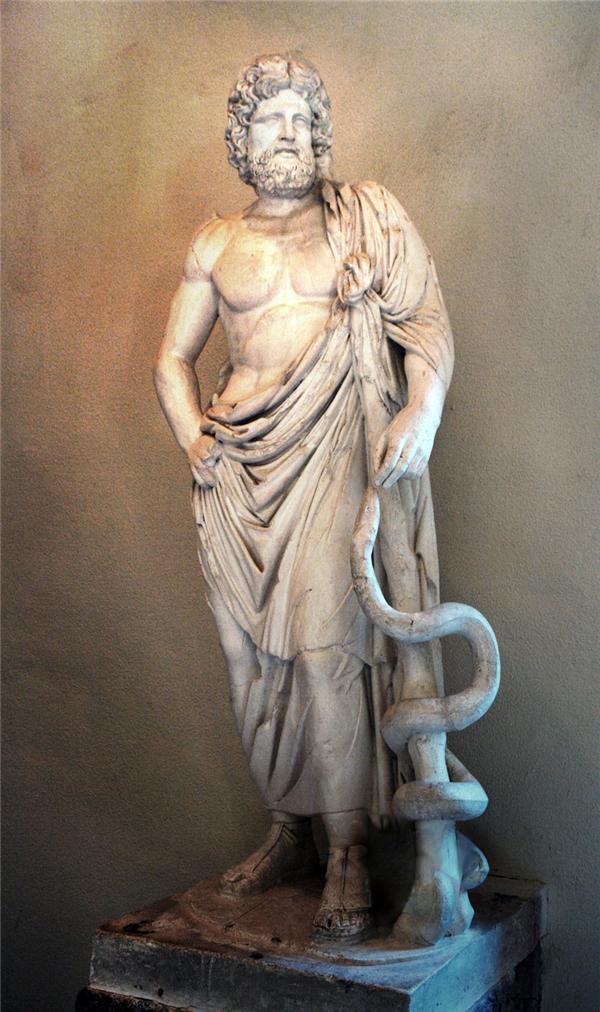Trong thần thoại Hy Lạp, Xà Phu hayOphiuchus cònlà vị thần y khoaAsclepius.
