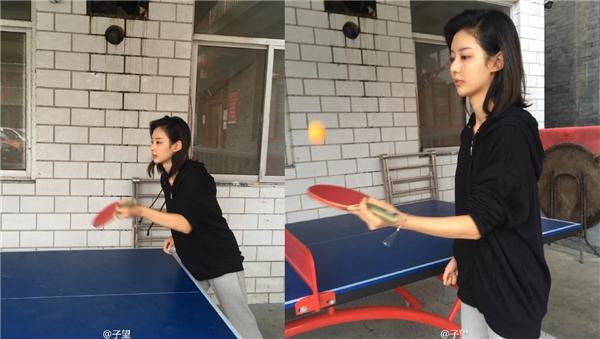 Tử Vọng rất yêu thích thể thao, cô nàng có thể chơi được bóng rổ, bóng bàn và nhiều môn khác.