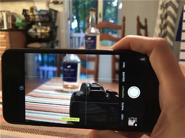 Giao diện chụp ảnh trên iPhone 7 Plus. (Ảnh: internet)