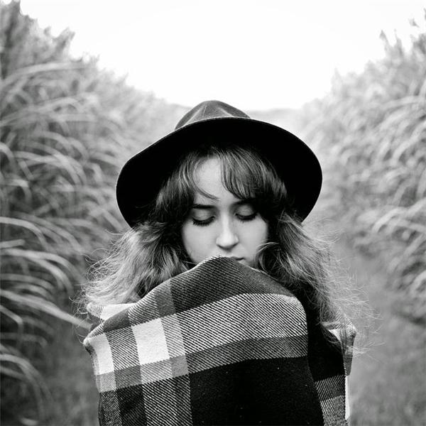 Emilie Ristevski là nhiếp ảnh gia 23 tuổi, sống tại Sydney, Úc.