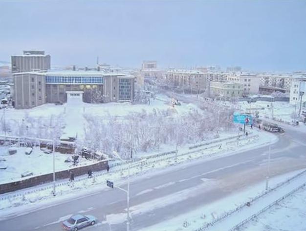 LàngOymyakon thuộc cộng hòa Sakha (Yakutia) và nằm ở phíađông bắc của nước Nga.