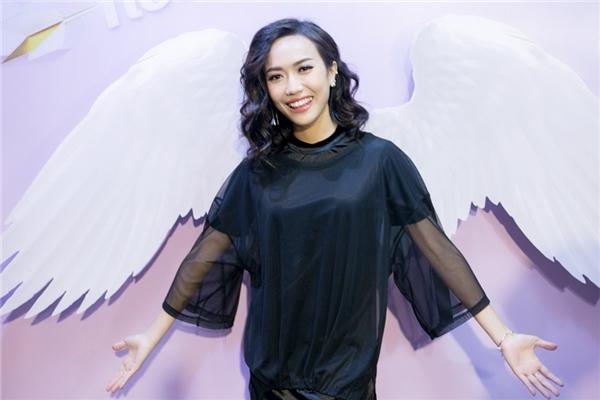 Khánh My, Quỳnh Thư đọ vẻ gợi cảm khi đi xem phim - Tin sao Viet - Tin tuc sao Viet - Scandal sao Viet - Tin tuc cua Sao - Tin cua Sao