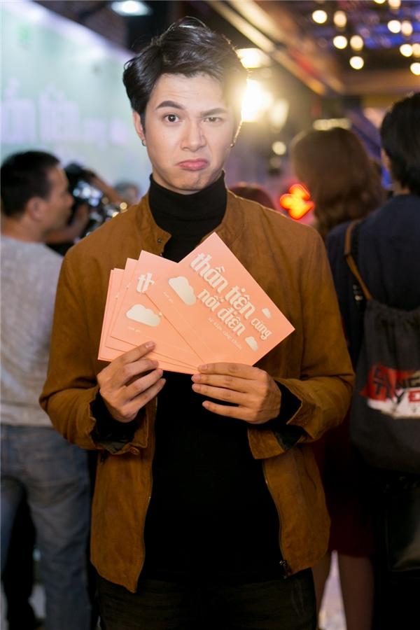 """""""Bạn trai"""" của Diệu Nhi - nam diễn viên Anh Tú cũng có mặt để chúc mừng người yêu. - Tin sao Viet - Tin tuc sao Viet - Scandal sao Viet - Tin tuc cua Sao - Tin cua Sao"""