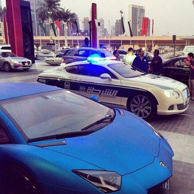 Đã là thành phố của những siêu xe thì không thể loại trừ xe của cảnh sát.(Ảnh: Internet)