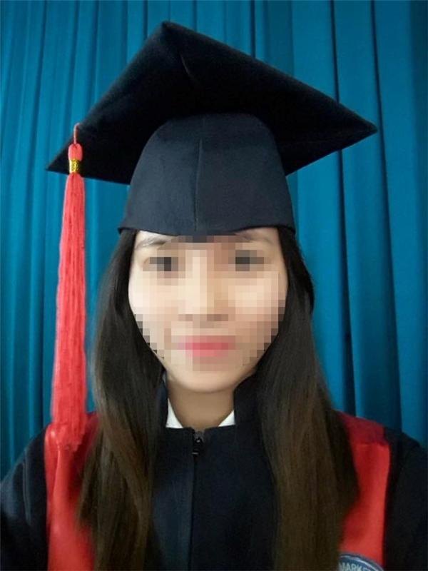 Nữ cử nhân Nguyễn Thị Thanh Hằng bị bỏng toàn thânđã lìa đời ngay trên giường bệnh sau hơn 20 ngày chiến đấu giành giật sự sống.