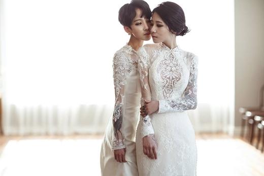 Đây là đôi đồng tính nữ cực kì nổi tiếng ở Hàn Quốc.