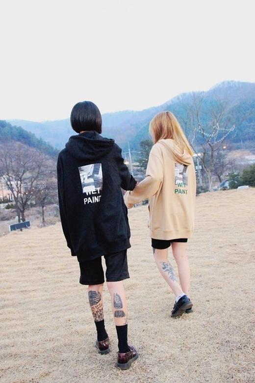"""Dần dần, từ phản đối, dân mạng Hàn Quốc đã bị """"chinh phục"""" bởi sự đẹp đôi và chuyện tình yêu của họ."""