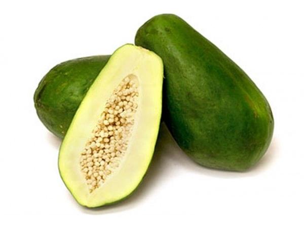 Đu đủ xanhchứa nhiều enzyme có tác dụng kích thích nội tiết tố nữ và đẩy nhanh quá trình hấp thụ protein giúp tăng kích cỡ vòng một nhanh chóng.