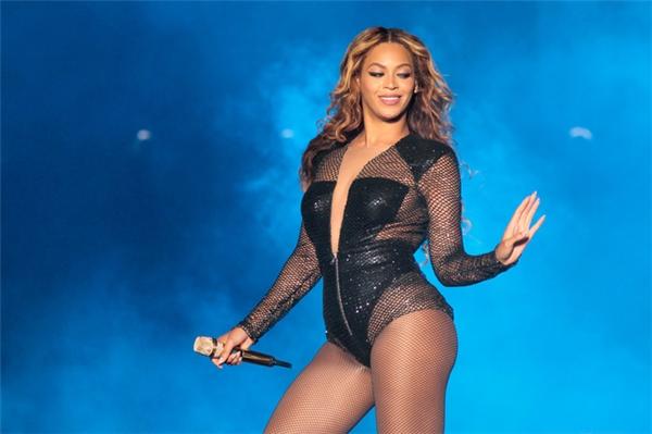Nữ ca sĩ nổi tiếng thế giới Beyoncé cũng sở hữu vòng 3 đáng ngưỡng mộ.