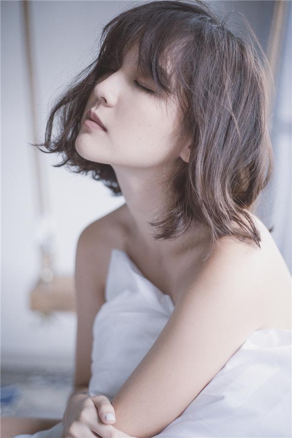 Chân dung hot girlHải Tú do nhiếp ảnh Rose Nguyen thực hiện.