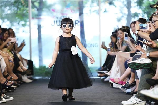 Người mẫu nhí tỏa sáng trên sàn diễn của Đỗ Mạnh Cường
