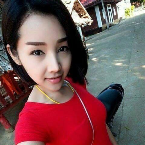 Không chỉ có gương mặt xinh đẹp mà cô nàng còn có tấm lòng ấm áp khiến nhiều người ngưỡng mộ.