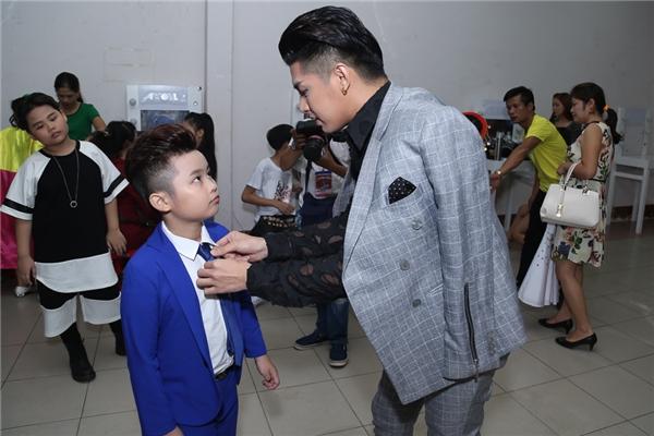 Đông Nhi được Ông Cao Thắng làm tóc, Noo dặn dò kĩ lưỡng học trò - Tin sao Viet - Tin tuc sao Viet - Scandal sao Viet - Tin tuc cua Sao - Tin cua Sao