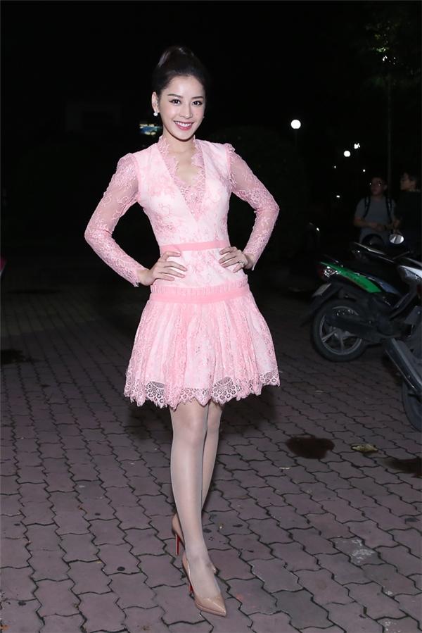Chi Pu nền nã trong bộ váy hồng xinh xắn, nhẹ nhàng - Tin sao Viet - Tin tuc sao Viet - Scandal sao Viet - Tin tuc cua Sao - Tin cua Sao