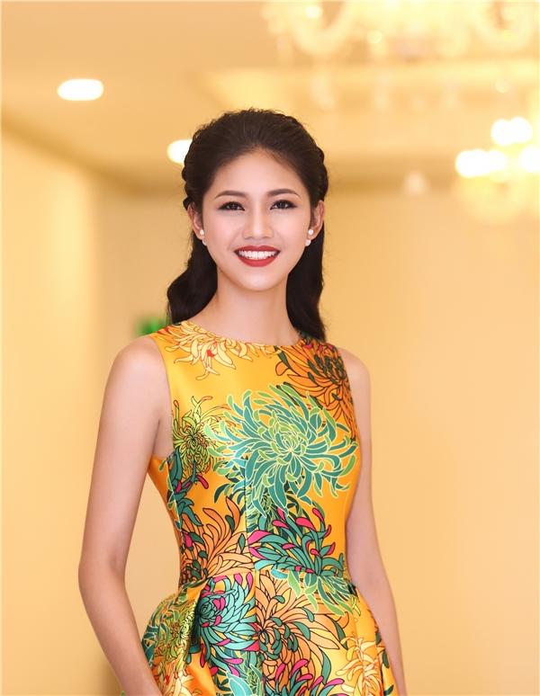 Riêng với Á hậu Thanh Tú, người đẹp có khát khao trở thành nhân viên Bộ Ngoại giao Việt Nam và đón nhận tin tui khi vinh dự trở thành thành viên Hội Luật Quốc tế Việt Nam.