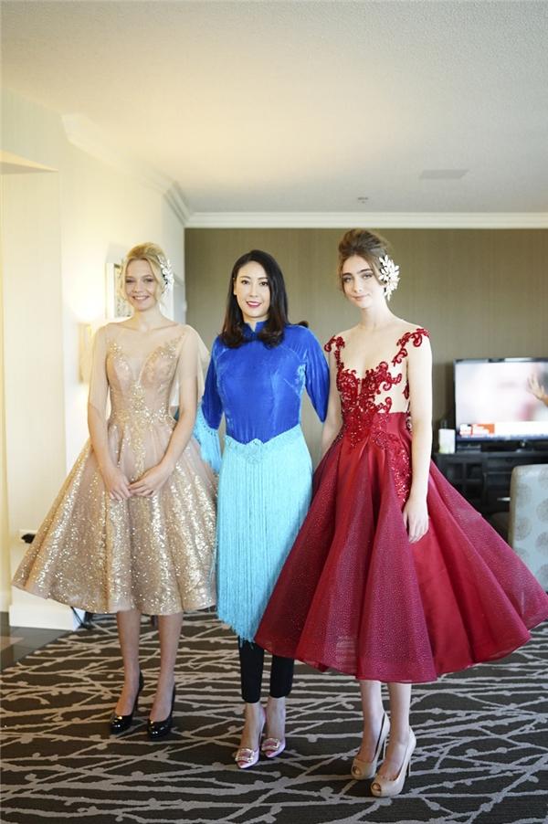 Vừa qua, nhận lời mời từ phía ban tổ chức của Tuần lễ Thời trang Quốc tế Canada, Hoa hậu Hà Kiều Anh đã trải qua một quãng đường dài để đến tham dự sự kiện này.