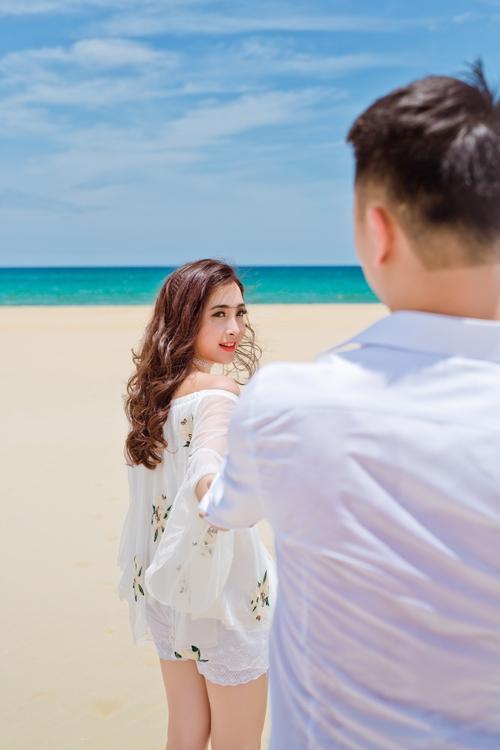 Mãi đến 12 năm sau, cặp đôi tình cờ gặp lại trong lần Yến về Việt Nam cùng bố mẹ. Không còn là cô nhóc quậy phá ngày nào, Lâm Duy đã thực sự ấn tượng với sự dịu dàng, nữ tính của Hoàng Yến.