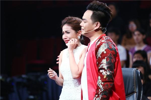 Một đêm thi rất nhiều nước mắt đến từ nữ giám khảo Trác Thúy Miêu, ca sĩ Quốc Đại, đạo diễnKhả Như cùng những khán giả trẻ tại trường quay.