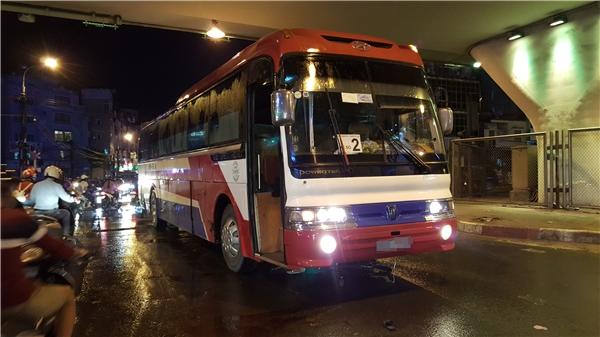 Vụ tai nạn xảy ra ngay ngã tư Giải Phóng - Trường Chinh, hiện trường chưa thể giải tỏa đã làm cho con đường tắc nghẽn suốt 2 giờ đồng hồ.
