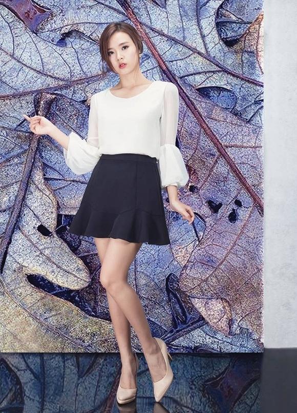 Có thể thấy, bên cạnh công việc nghệ thuật, hiện tạiMidu đang quyết tâm theo đuổi sự nghiệp kinh doanh thời trang, thi thoảng người đẹp lại xuất hiện tại vài sự kiện lớn. - Tin sao Viet - Tin tuc sao Viet - Scandal sao Viet - Tin tuc cua Sao - Tin cua Sao