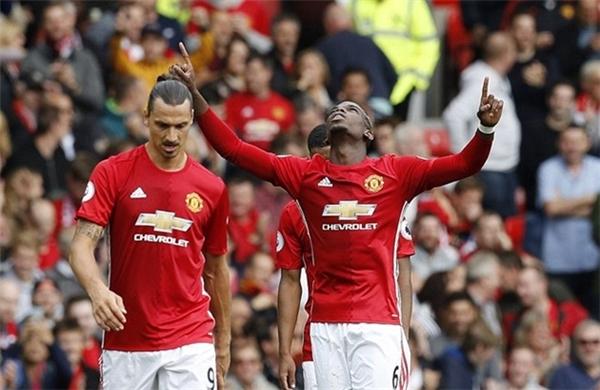 Ibrahimovic và các đồng đội đã có màn trình diễn xuất sắc trước Leicester City.