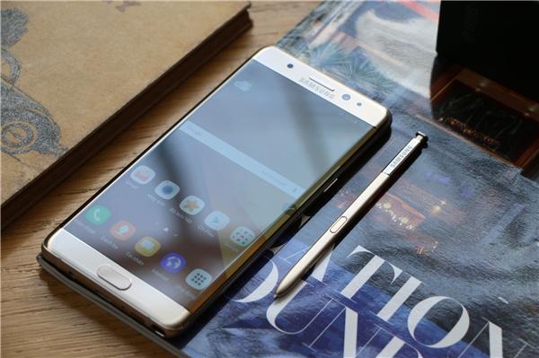 Samsung Việt Nam tiến hành đổi Galaxy Note7 mới cho khách từ ngày 1/10