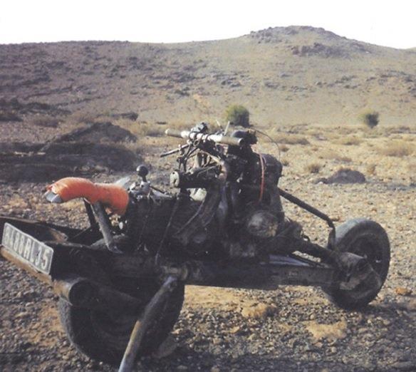 Chiếc xe được thành hình với các bộ phận cơ bản của một chiếc xe mô tô