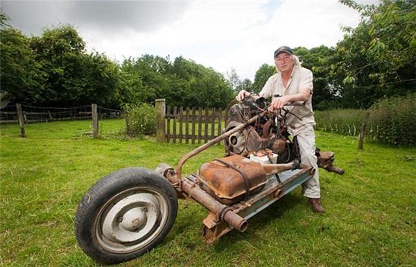 Emily Leray, năm nay 66 tuổi đã giữ lại chiếc xe như vật nhắc nhở mình về chuyến đi kỳ lạ