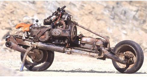 Emilemất 12 ngày làm việc cật lực dưới thời tiết khắc nghiệt để hoàn thành chiếc xe mô tô để đời