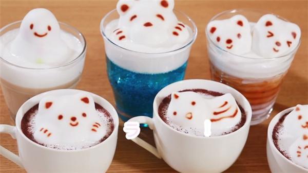 Phải thừa nhận rằng những tách cà phê này xứng đáng để ngắm hơn là trôi tuột xuống dạ dày của ai đó.