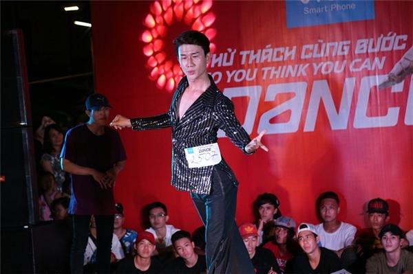 Không chỉ phô diễn những đông tác đẹp mắt, các thí sinh còn thể hiện đa dạng các thể loại nhảy múa… - Tin sao Viet - Tin tuc sao Viet - Scandal sao Viet - Tin tuc cua Sao - Tin cua Sao