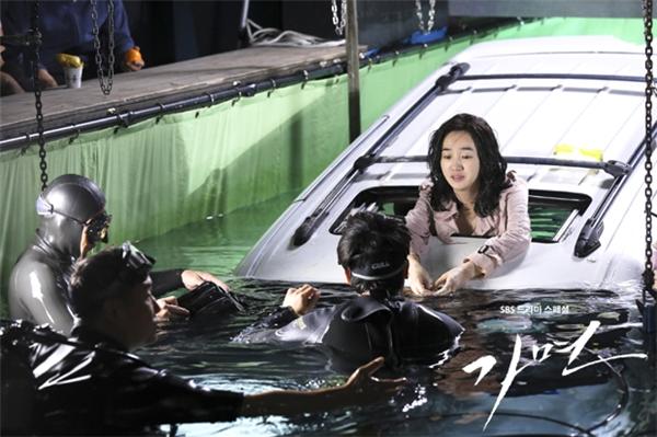 Sự thật  đằng sau những cảnh phim lung linh màn ảnh Hàn
