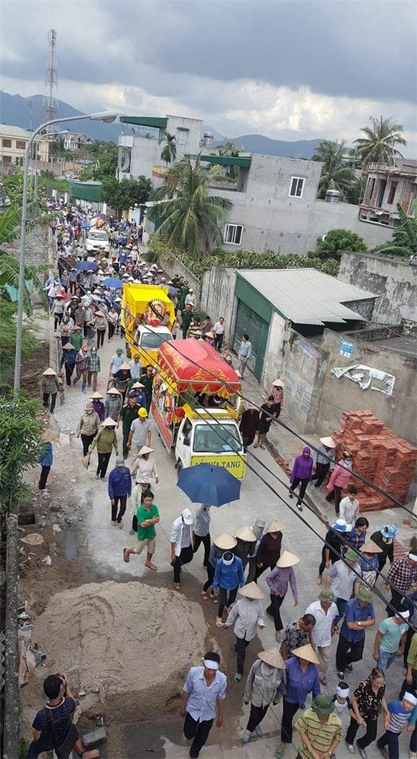 Đám tang 4 bà cháu bị sát hại tại Quảng Ninh khiến nhiều người thương xót.